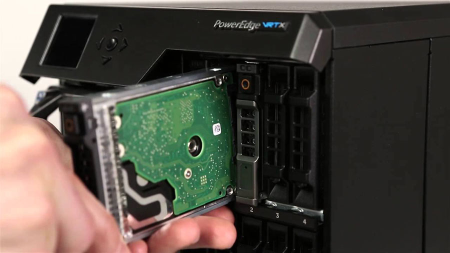 Dell PowerEdge VRTX 1.3. Заказчикам доступны конфигурации с 4-сокетными серверными узлами полной высоты M820